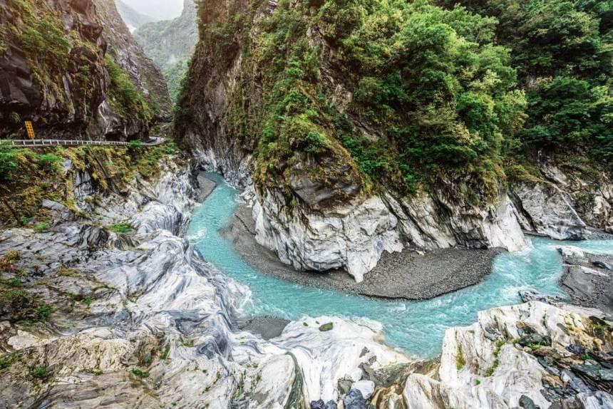 Taiwan Scene_MyTaiwanTour blog_Taroko gorge river