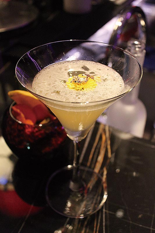 01_Cocktails_Recipes_Emperor-Oolong-Martini