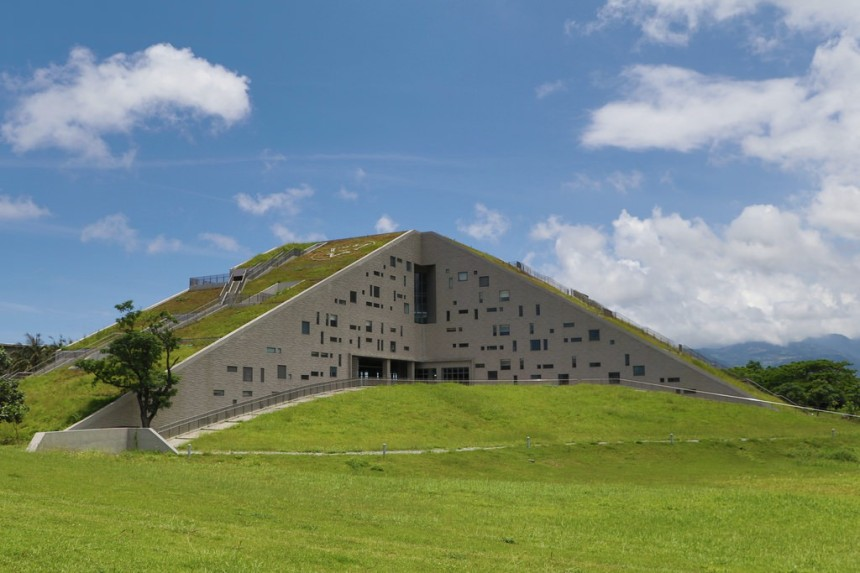 Architecture-in-taiwan-national-taitung-university-library-and-information-center