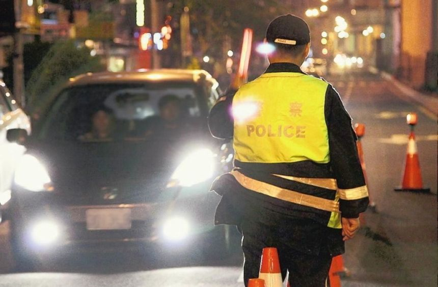 driving-in-taiwan-police-roadblock