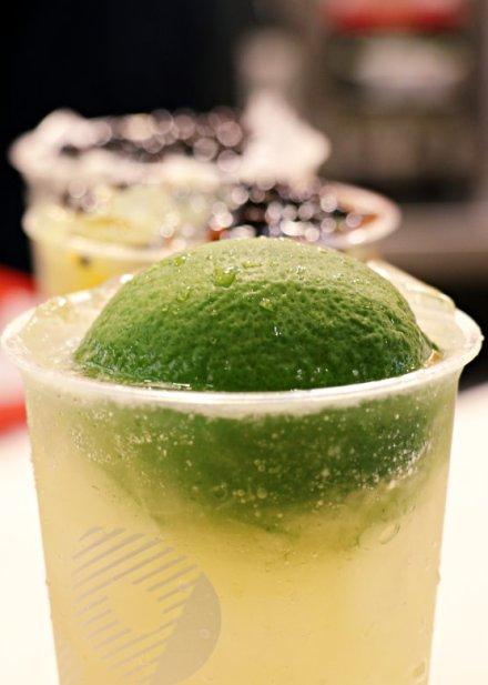 taiwan-scene-bubble-milk-tea-handmade-drink-coco-8