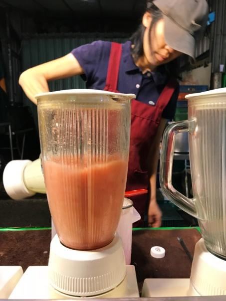taiwan-scene-jingmei-night-market-watermelon-juice